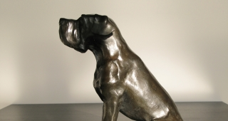 A copper mastiff statuette - Sport architecte studio