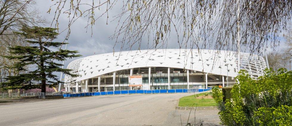 Stade de beaublanc atelier ferret architectures for Piscine de beaublanc