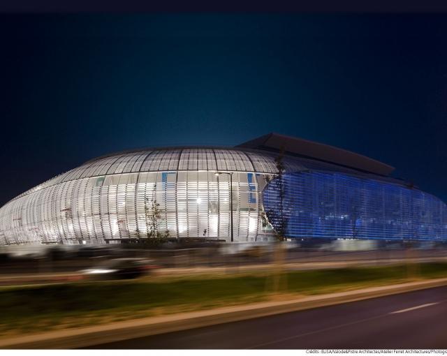 Essais sur la façade lumineuse du Grand Stade Lille Métropole - Agence architecture équipements sportifs, culturels et logements